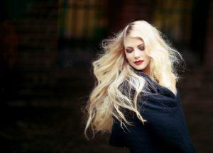 włosy młoda kobieta